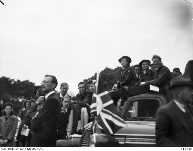 Crowd watching combined services VP Day. Sydney 16 August 1945