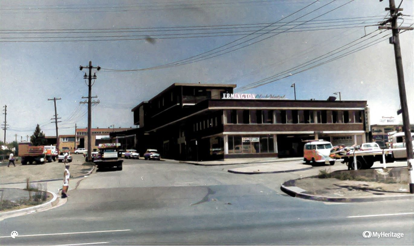 Ermington Club Hotel, River Road, Ermington N.S.W., circa 1970. (Source: Australian National University, The Noel Butlin Archives Centre, N60-YC-241 http://hdl.handle.net/1885/733712784, colourised using MyHeritage in Colour https://myhr.tg/1Q6efgV4)